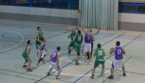 Inicio del partido entre el Porcuna CB y el UB Bailén
