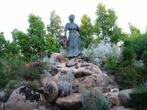Monumento a María Bellido.