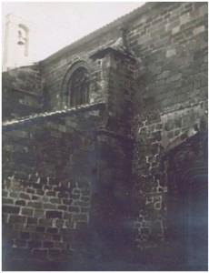 Espadaña en la sacristía (parte superior izquierda de la imagen). Años 60.