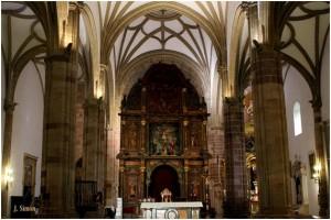 Fotomontaje de Juan Simón García para hacernos una idea de cómo sería nuestro templo con un retablo similar al que tuvo hasta 1936.