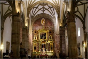 Fotomontaje de Juan Simón García, no hecho a escala, por lo que habría que ampliarlo en calles y en altura, con el cambio de emplazamiento de los retablos actuales.