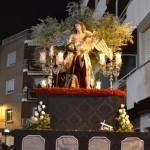 La sobriedad y el fervor marcan el Lunes Santo de la mano de la Vera Cruz