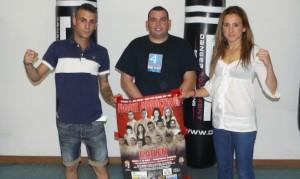 David Matas en el centro junto a Alvaro Anguita y Nely.