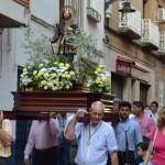 Cohetes y ambiente festivo para honrar a San Isidro