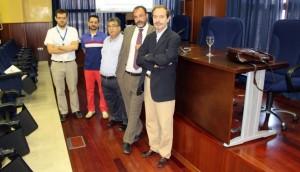 Los ponentes Salvador Bueno, Jordi Llop y Juan Bautista Carda con el gerente del Centro, José Ángel Laguna y el responsable de IDEA, Juan Manuel García Estepa