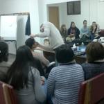 Dos actividades para jóvenes sobre lenguaje de signos y maquillaje