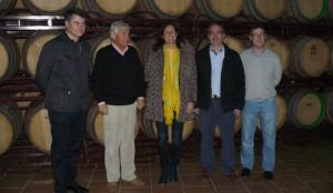 José Chico, segundo por la izquierda, en un acto celebrado en la cooperativa junto a miembros del PP Andaluz