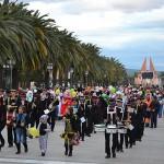 El tiempo deja lucir el Pasacalles de Carnaval