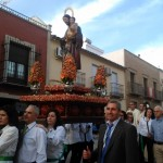 El día grande de la Feria del Barrio protagonizado por la procesión del patrón