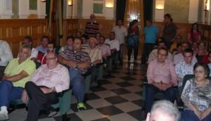 Decenas de bailenenses se dieron cita en el salón de plenos.