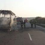 Incendiado un autobús en el término de Bailén
