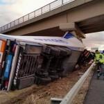 Un camionero bailenense fallece al chocar contra una viga