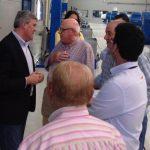 El presidente provincial del PP, Fernandez de Moya, visita las instalaciones de Picualia