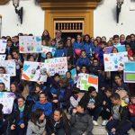 Escolares bailenenses participan en el acto institucional contra la violencia de género