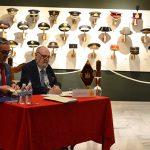 Don José María de Montells y Galán cede al Museo su colección de prendas de cabezas militares